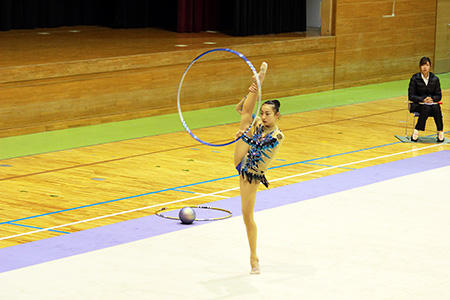 新体操部が新人大会で健闘!個人総合で優勝!